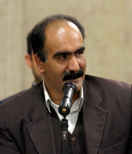 آخرین گفتوگو با ابوالفضل زرویی نصرآباد، شاعر و طنزپرداز