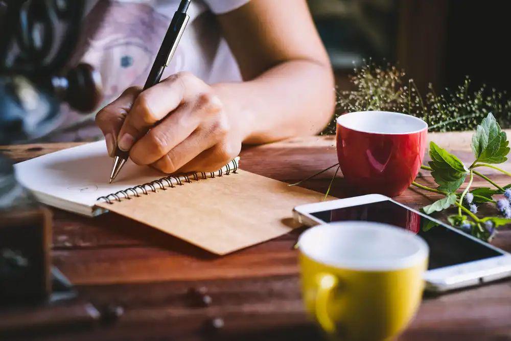 ده توصیه برای نویسندگان کتاباولی