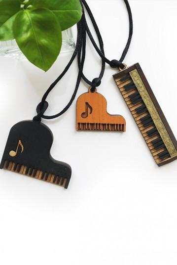 پیانو چوبی